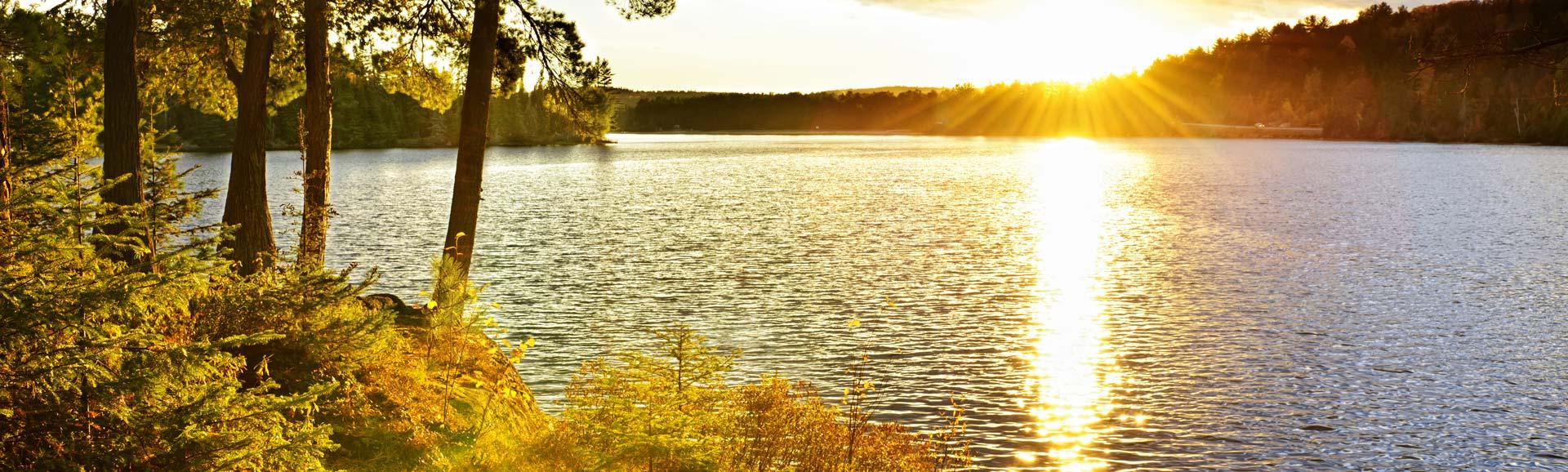 Sonnenuntergang am Ontariosee, Kanada.