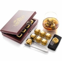 Gold Edelstahl Whisky Steine Geschenkset in der Wunderschöner Holzkiste - Hohe Kühltechnologie - 8 Whisky Eiswürfel Wiederverwendbar - Edelstahl Eiswürfel - Geschenk für Männer - Whiskey Zubehör - 1
