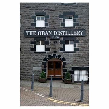 Oban Highland Single Malt Scotch Whisky – 14 Jahre gereift – Rauchig-torfig mit süßen und würzigen Noten – 1 x 0,7l - 7